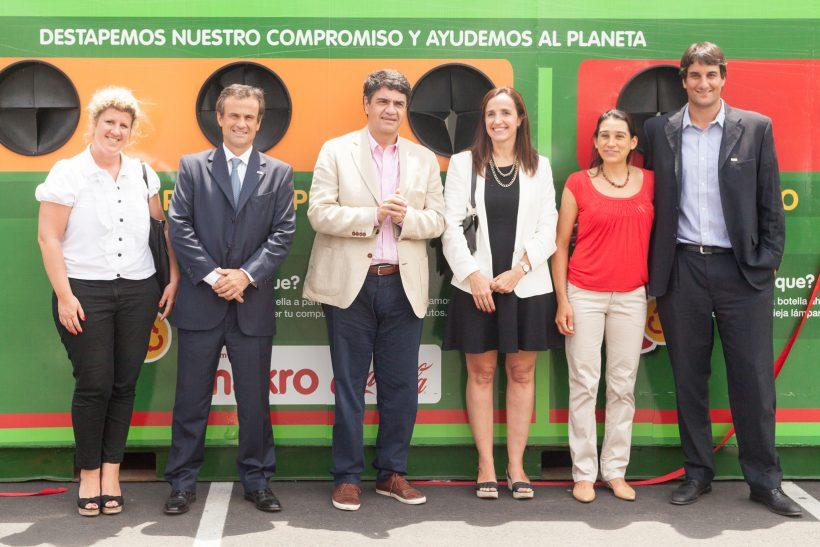 En Vicente López, Makro recicla junto a Coca–Cola FEMSA